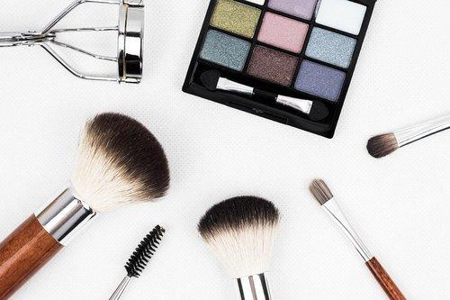 Med Makeup Känner Man Sig Piggare